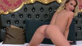 ArianaMistique – Sexiest Blondie Teasing Like A Pro