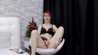 AileyBlake – Impatient Redhead Can't Wait For BF, Starts Fingering